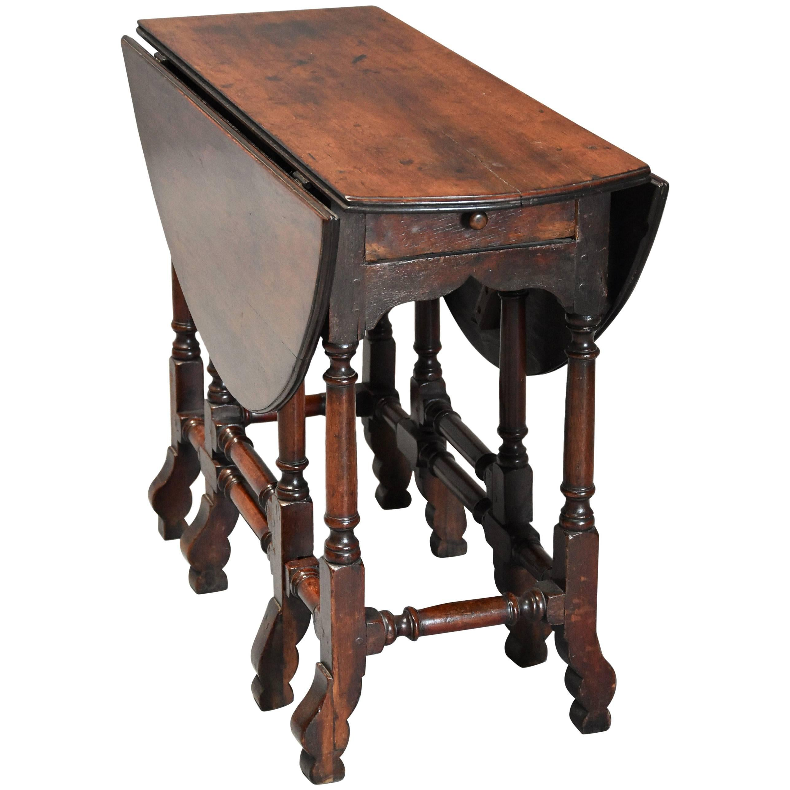 Rare 18th Century Mahogany Gateleg Table Of Small Proportions And Good Patina For At 1stdibs