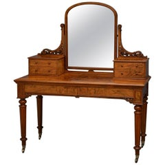 Fine Quality Victorian Walnut Dressing Table
