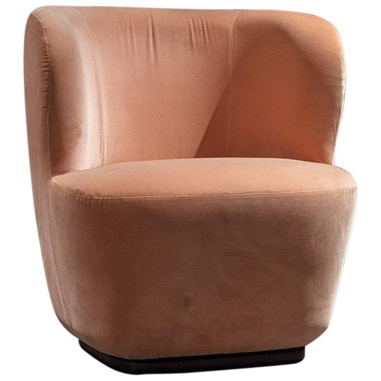 Merveilleux Space Copenhagen For Gubi Small Stay Pink Velvet Lounge Chair Swivel Base  For Sale
