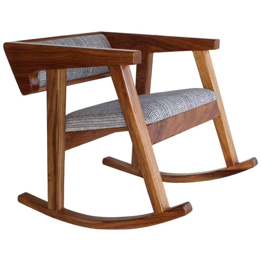 Merveilleux Handmade Mexican Contemporary Conacaste Solid Wood Rocking Chair For Sale