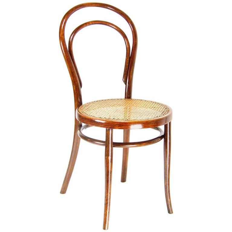 Viennese Bentwood Chair Thonet Nr 14 Circa 1887 1910 At 1stdibs
