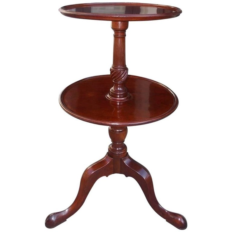 English Chippendale Mahogany Dish Top Two-Tiered Dumb Waiter, Circa 1770 For Sale