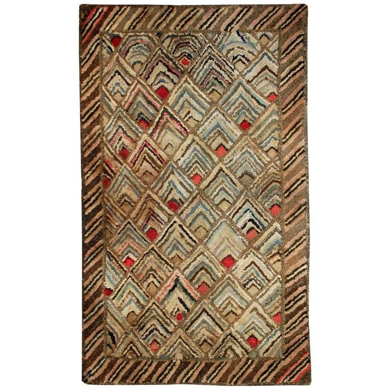 Handmade Antique American Hooked Rug, 1900s