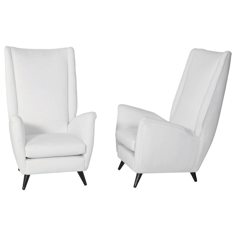 Pair of Gio Ponti White Fabric Italian Armchairs, 1950s