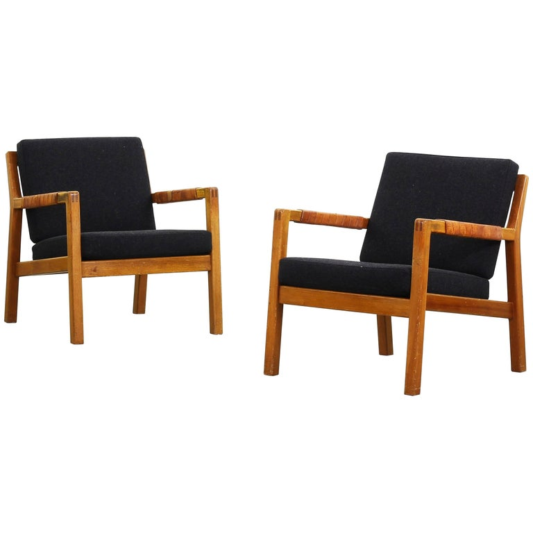 Beautiful Pair of Easy Lounge Chairs by Carl Gustaf Hiort af Örnas, Finland