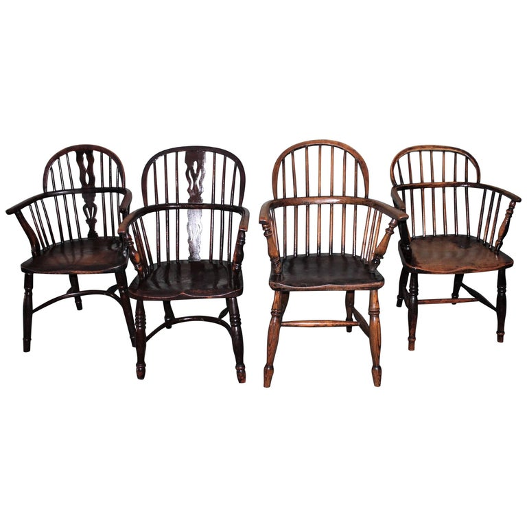 Windsor Chairs, Early 19th Century English Assembled Collection / 4 For Sale