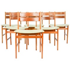Handsome Set of Six Danish Curved Back Teak Dining Chairs after Kurt Ostervig