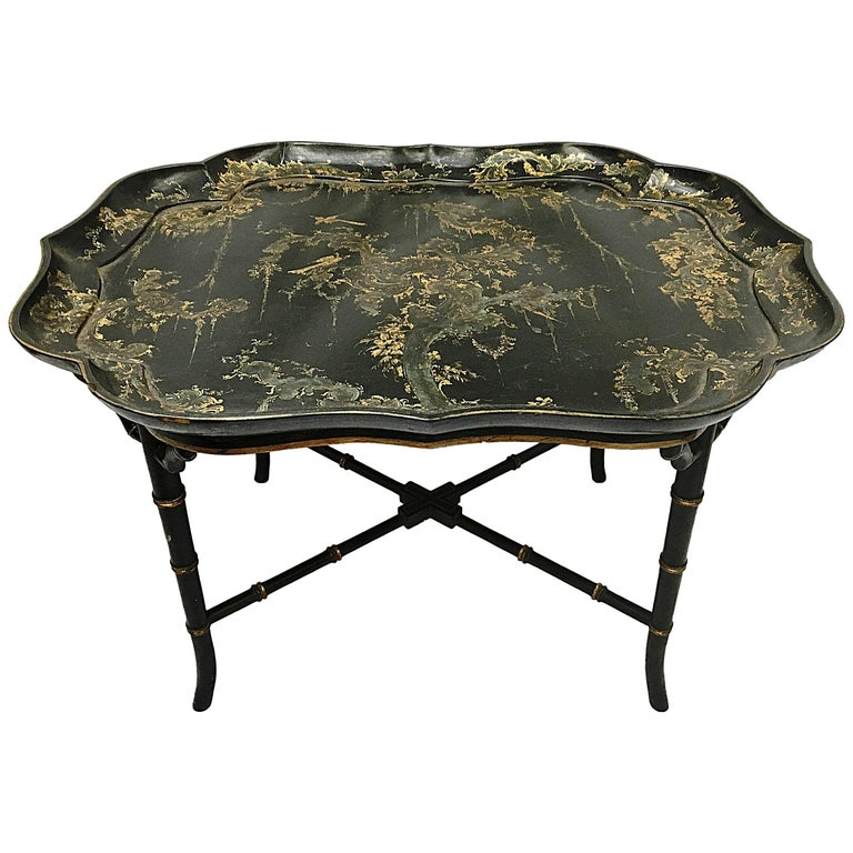 19th Century Chinoiserie Lacquer Tray Table