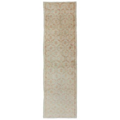 Cross-Latch / Latticework Vintage Turkish Oushak Runner in Light Cream and Coral