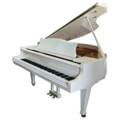 White Gloss Baby Grand Piano 1996 Kohler & Campbell Mint Showroom Condition