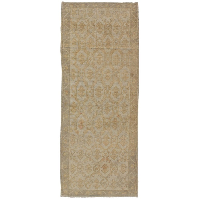 Muted Midcentury Turkish Oushak Runner with Latticework Design in Cream For Sale