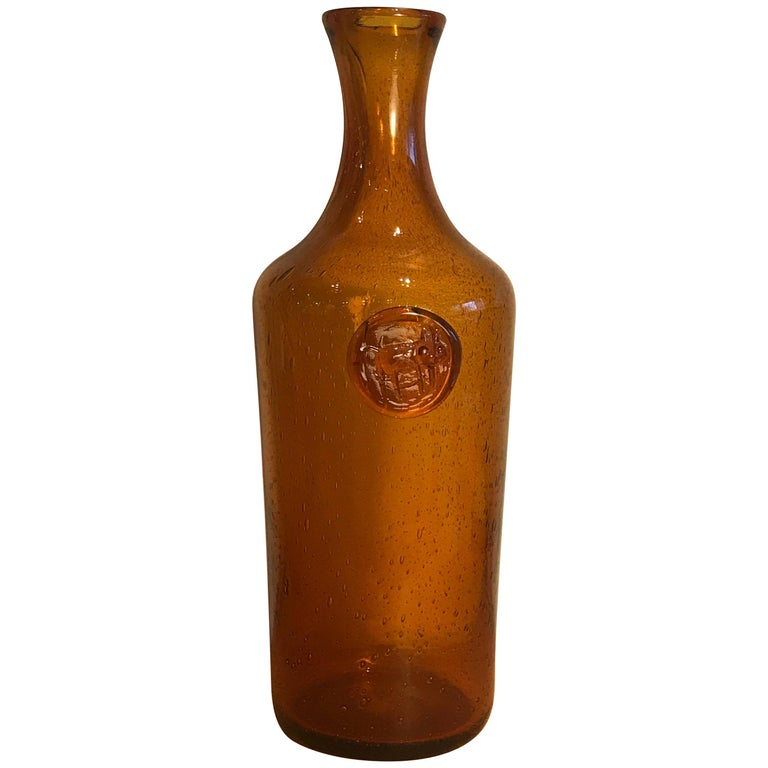 Erik Hoglund Amber Glass Bottle with Cat Motif, 1960s Vintage Swedish Modern 1