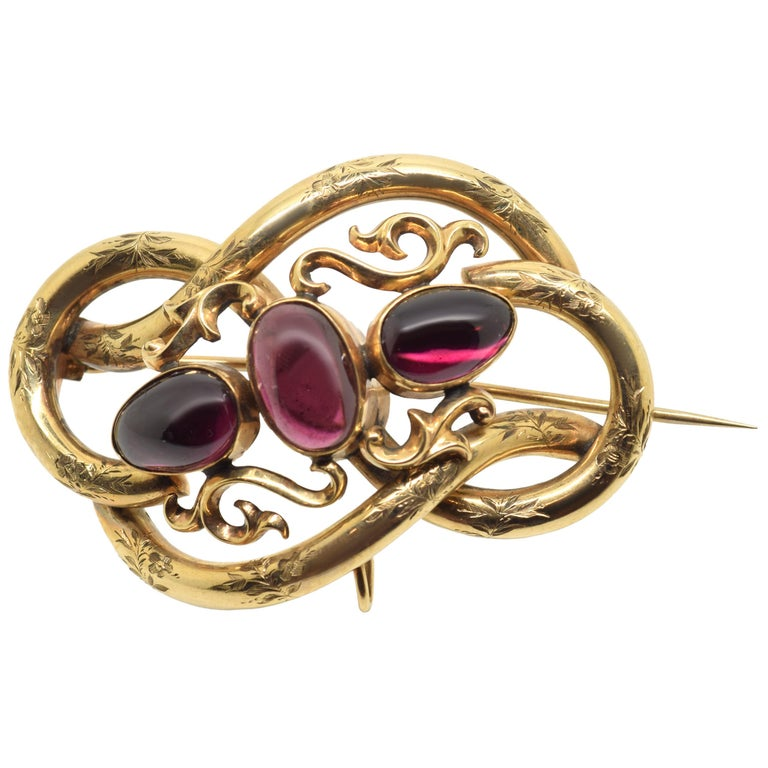 14-Karat Gold Brooch with Three Garnets, 20th Century For Sale