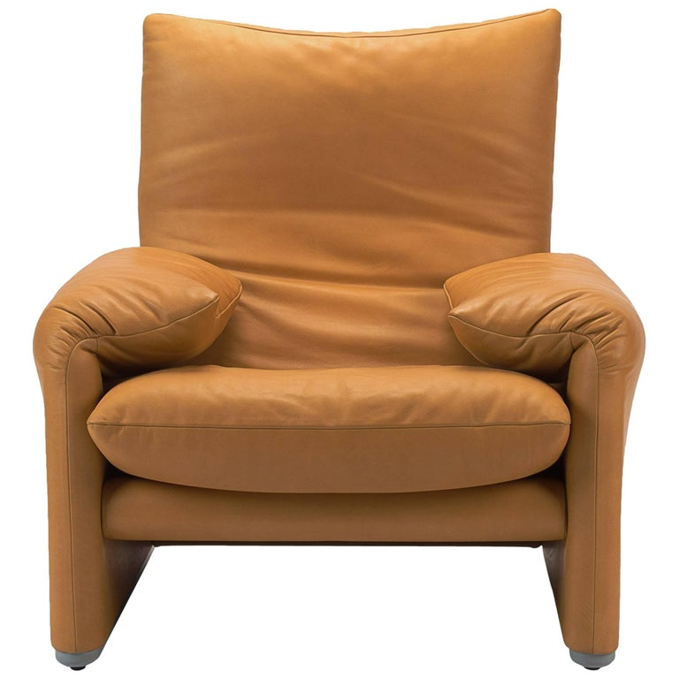Natural Leather Lounge Armchair by Cassina