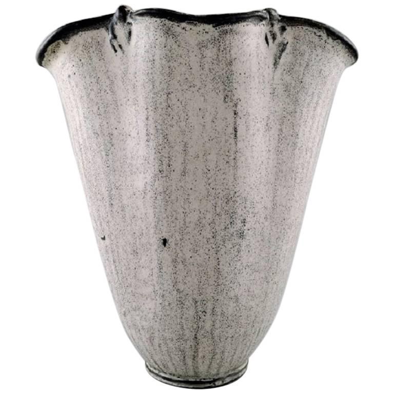 k hler denmark large glazed vase 1930s designed by svend hammersh i for sale at 1stdibs. Black Bedroom Furniture Sets. Home Design Ideas