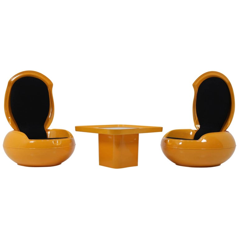 """Set of Very Rare Two """"Garden Egg"""" Chairs with Table, Peter Ghyczy, 1968 For Sale"""