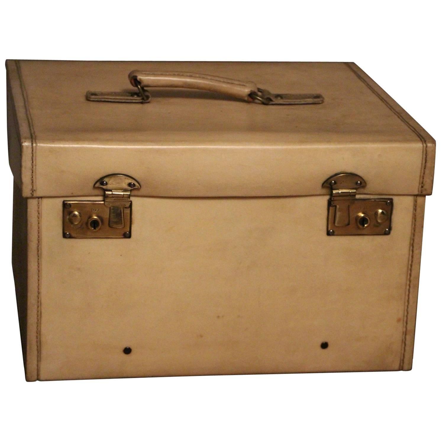 1920s Small Beige Vellum Steamer Trunk