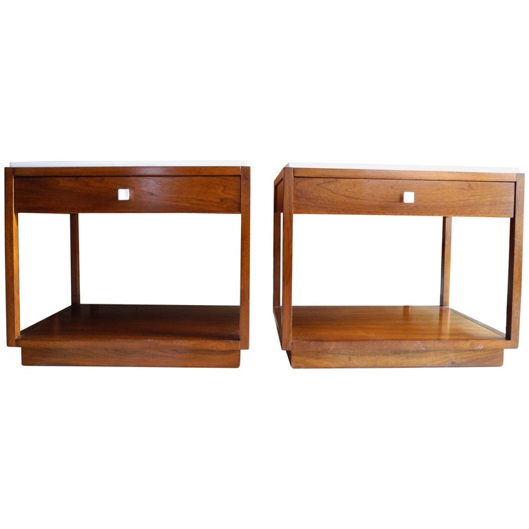 Mid-Century Modern Pair of Nightstands by Milo Baughman for Directional