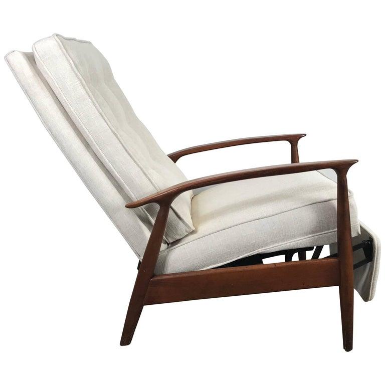 Classic Modernist Reclining Lounge Chair by Milo Baughman