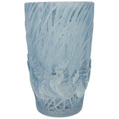 """Lalique René Vase """"Coqs et Plumes"""""""