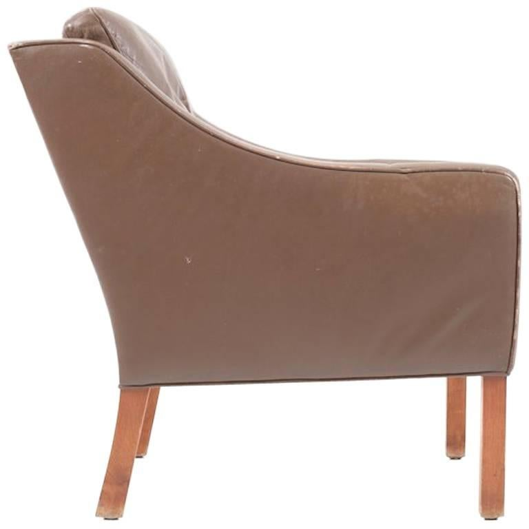Leather Lounge Chair 2207 by Børge Mogensen