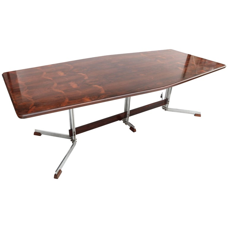 Brazilian Jacaranda 1960s Dining Table for Eight by Liceu de Artes For Sale
