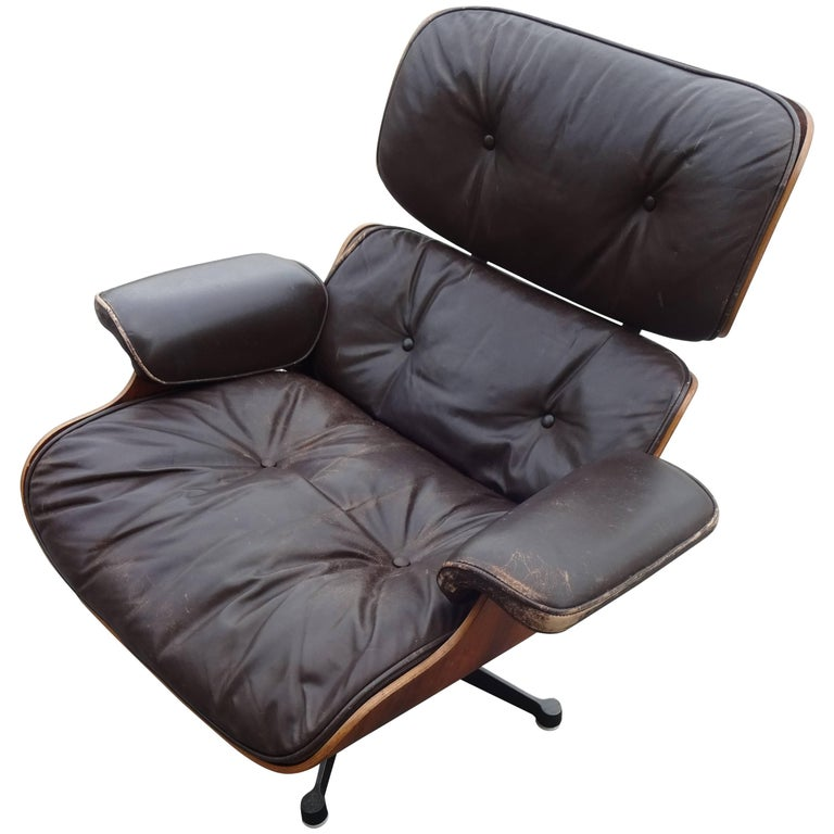 eames lounge chair original vitra model 1st generation for sale at 1stdibs. Black Bedroom Furniture Sets. Home Design Ideas