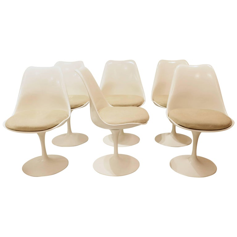 Set of Six Tulip Dining Chairs by Eero Saarinen