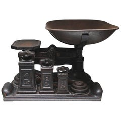 "19th Century Cast Iron ""W. & T. Avery Ltd Class Scale and Weights, circa 1880s"