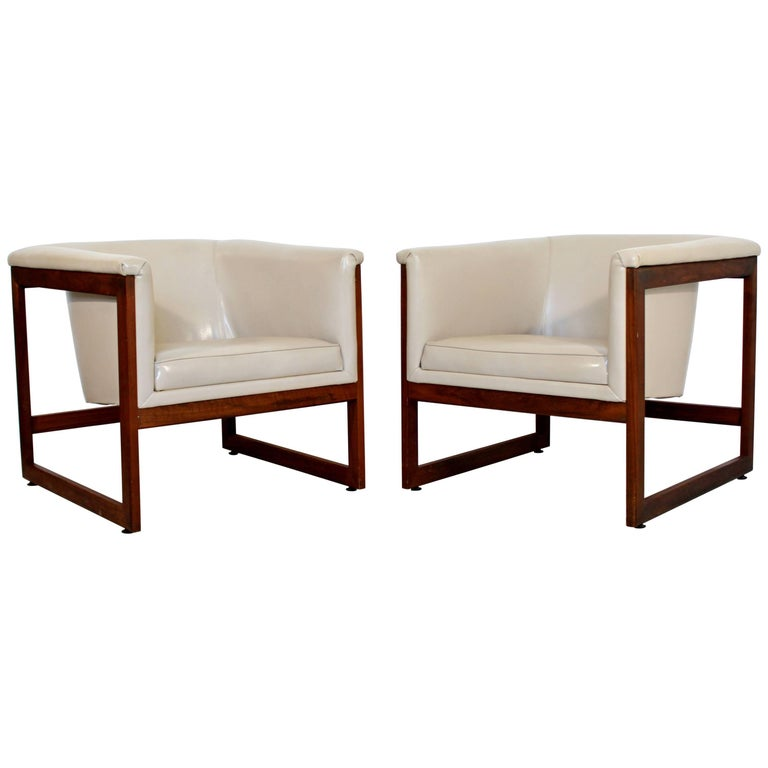 Mid-Century Modern Milo Baughman Pair of Floating Cube Walnut Lounge Chairs