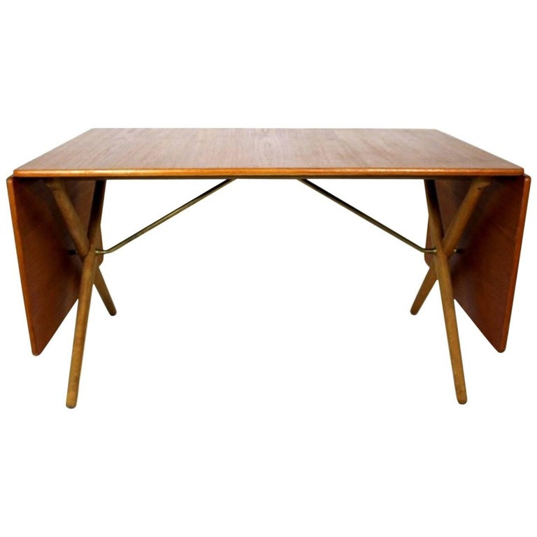 Scandinavian Dining Table with Cross-Leg, At-309 Hans J Wegner for Andreas Tuck For Sale