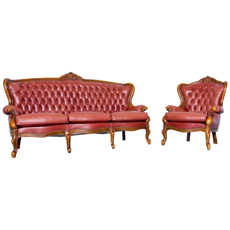 small vintage chesterfield sofa england circa 1920. Black Bedroom Furniture Sets. Home Design Ideas