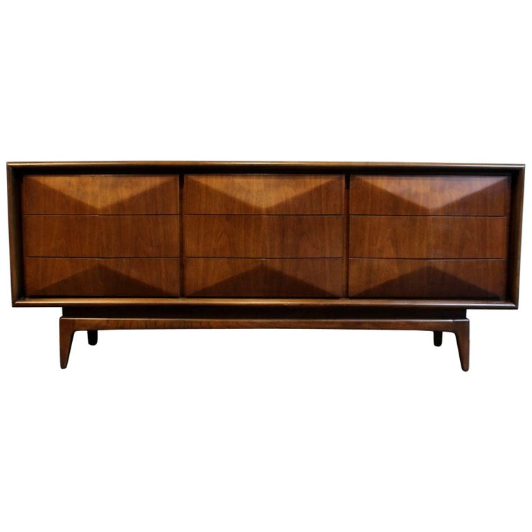Mid Century Modern Diamond Front Walnut Wood Dresser By United Furniture For Sale At 1stdibs