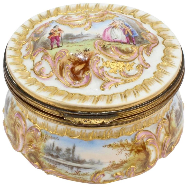 Antique Gilt Paris Porcelain Table Snuff Box or Round Casket by Bloch & Bourdois For Sale