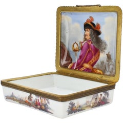 Antique 18th Century French or German Porcelain Snuff Box Military Scenes