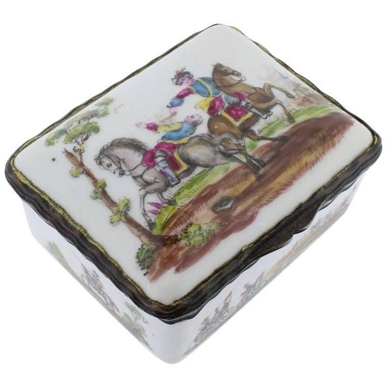 Antique French or German Porcelain Snuff Box with Hand-Painted Military Scenes