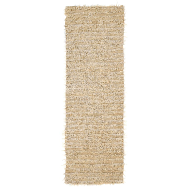 Plain Ivory Tulu Rug Made Of Natural Undyed Mohair Wool For
