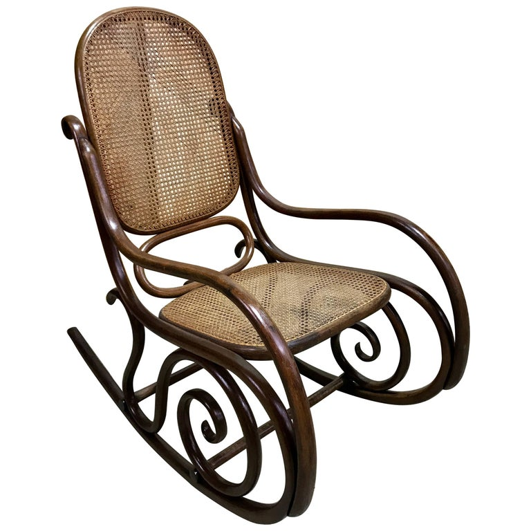 Victorian walnut lady s rocking chair for sale at 1stdibs for Schaukelstuhl thonet