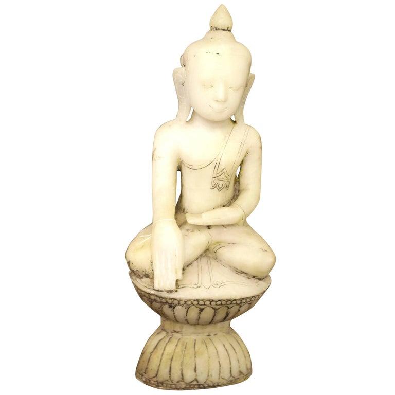 Alabaster Buddha Statue White Burma Shan Period, 17th Century For Sale