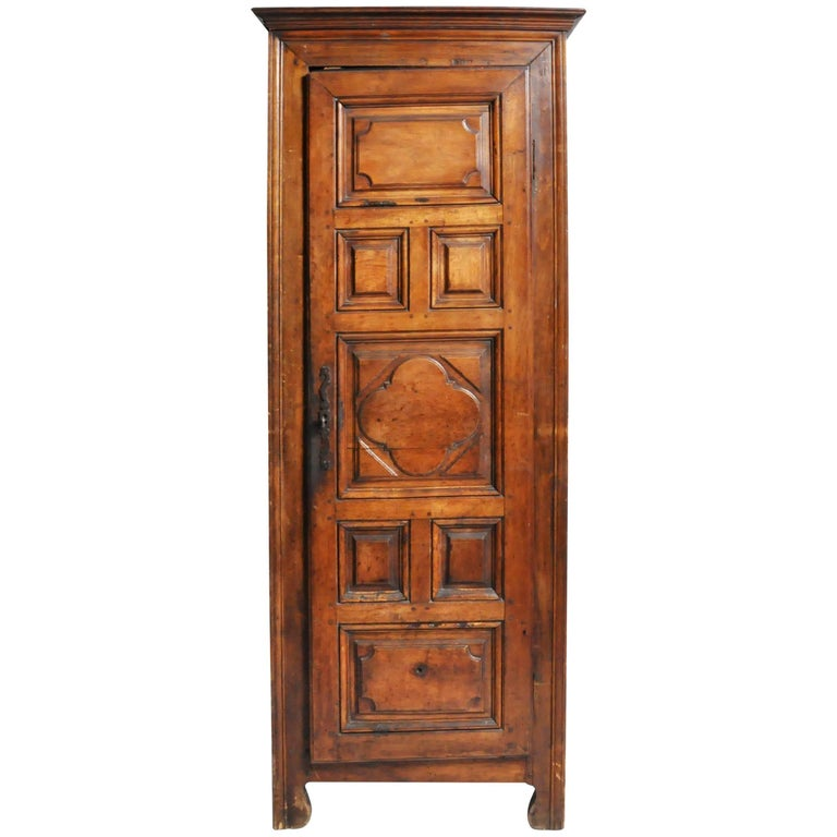 louis xiii style petite armoire for sale at 1stdibs. Black Bedroom Furniture Sets. Home Design Ideas