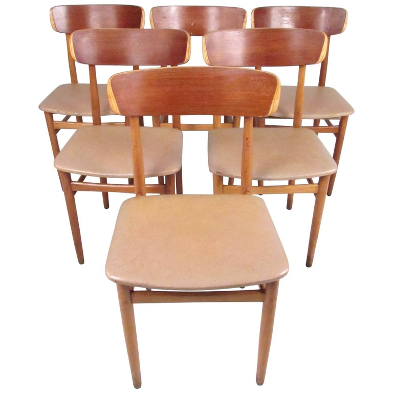 Set of Mid-Century Modern Bentwood Dining Chairs