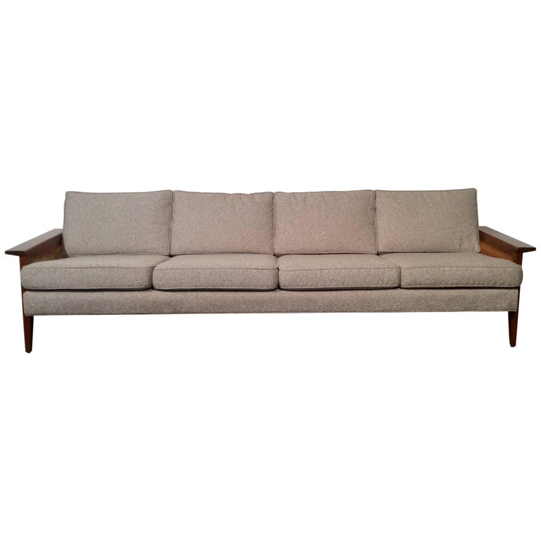 Unique and restored mid century modern sofa by iconic for Iconic mid century modern furniture