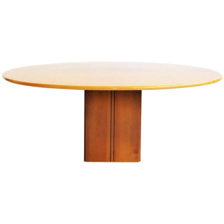 Afra and Tobia Scarpa Luxurious Oval Table Mod, Artona