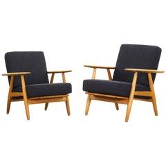 Beautiful Pair of Lounge Chairs by Hans J. Wegner for GETAMA Cigar Model 240