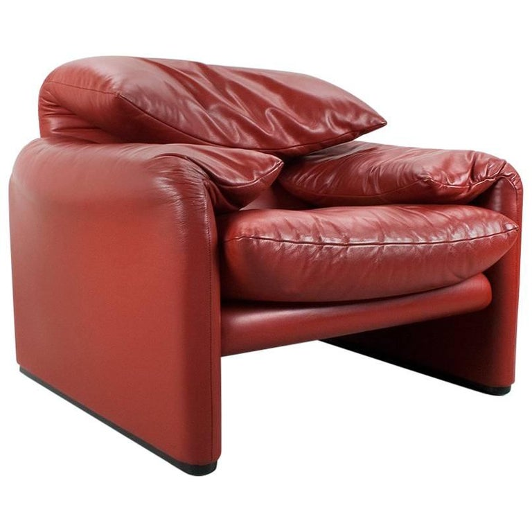 Maralunga Lounge Chair in Red Leather Designed by Vico Magistretti, 1973, Italy