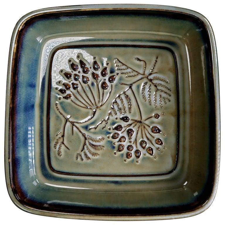 Bing & Grondahl Classic Danish Modern Olive Green Leaf Porcelain Bowl, 1950s For Sale