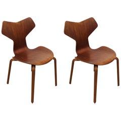 Arne Jacobsen for Fritz Hansen Model 3130 'Grand Prix' Bentwood Chairs in Teak