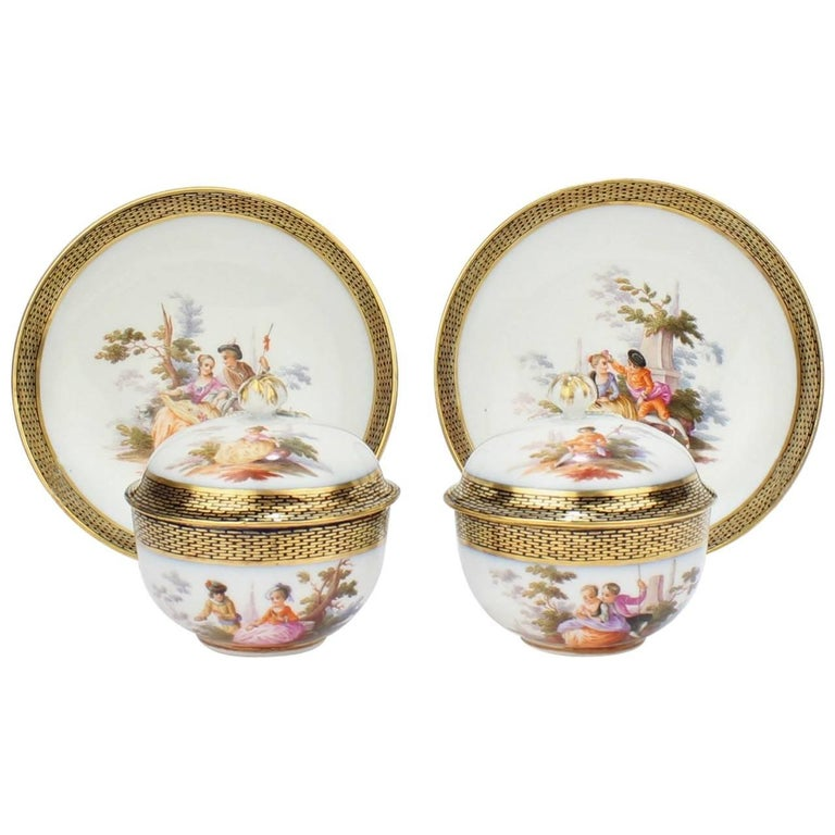 Pair of Antique Meissen Porcelain Covered Tea Cups and Saucers, 19th Century