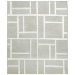 Contemporary Tibetan Rug Hand-Knotted in Nepal, Light Grey - Silver