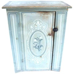 19th Century Massachusetts Pine Cupboard in Original Paint Decoration